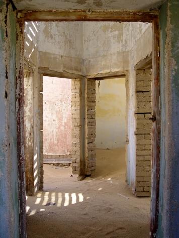 Africa-Kolmanskop-ghost-town