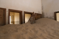ghost-town-that-is-gradually-devoured-by-the-desert