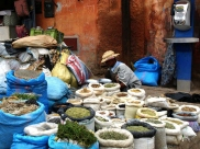 Marrakesz - targ z ziołami
